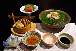 1280px-Kaiseki_Kai_Tsugaru_Owani_Onsen_Aomori_pref_Japan04s.jpg